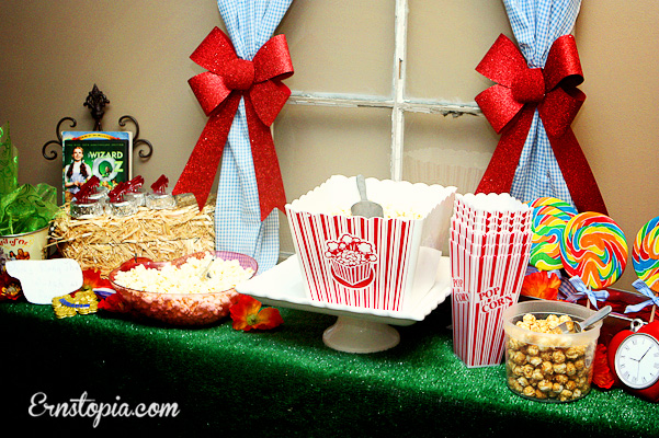 Wizard of Oz Popcorn station
