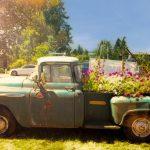 Junk refunk vintage maket truck